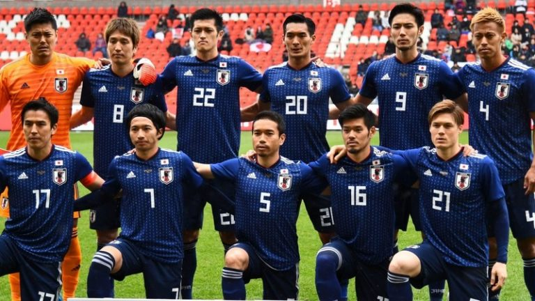 ဂျပန်ရဲ့ National Colour က အပြာရောင် ?