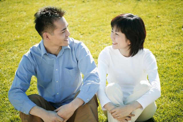 ပျော်ရွှင်တဲ့အိမ်ထောင်ရေးတစ်ခုဖြစ်ဖို့ ဇနီးမောင်နှံတို့ အတွက် အကြံဥာဏ် ၅ ချက်!!!!
