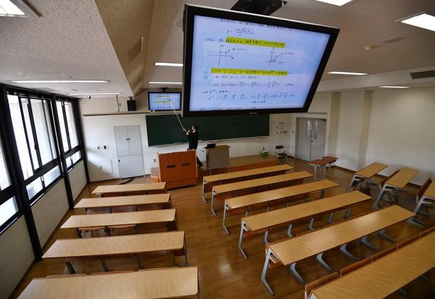 ဂျပန်တက္ကသိုလ်ကျောင်းသား ၁၃ ဦးထဲက ၁ ဦးက ကျောင်းထွက်ဖို့စီစဥ်နေ ?