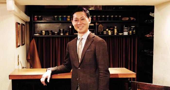 လမ်းပေါ်ကနေ ကမ္ဘာသို့တက်ခဲ့သူ Yuya Hasegawa (shoeshiner) !!!