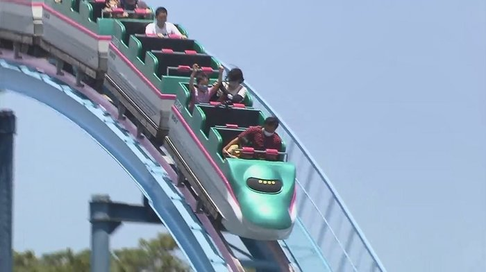 မအော်ရဘူးလို့ တားမြစ်ထားတဲ့ roller coaster !!!