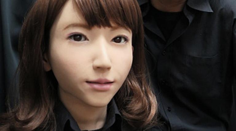 ဂျပန်မင်းသမီးမှ ဟောလိဝုဒ်မင်းသမီးဖြစ်လာတဲ့ စက်ရုပ် !!!!