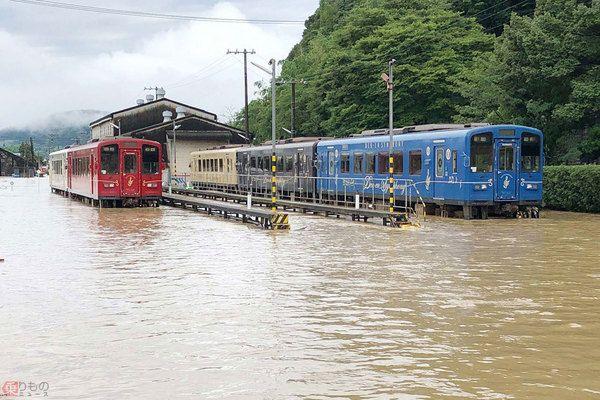 ဒေသခံတွေရဲ့ ခြေလှမ်း၊ ရထားလမ်းတွေကိုကာကွယ်ပါ !!!!