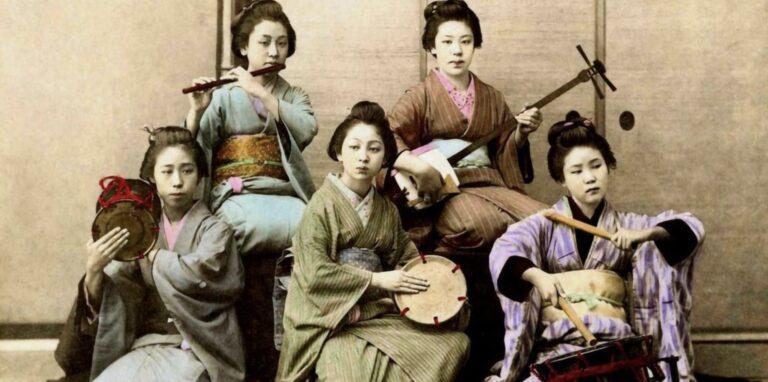 လွန်ခဲ့တဲ့နှစ်ပေါင်း ၁၀၀လောက်က ကမ္ဘာတဝှမ်းမှအမျိုးသားများကို ဖမ်းစားနိုင်ခဲ့တဲ့ ဂျပန်အမျိုးသမီးများ !!!